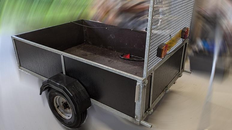 Little trailer re-boarded