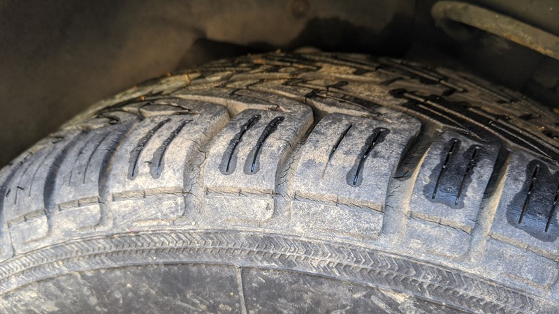 Perished tyres on the Fiat X1/9