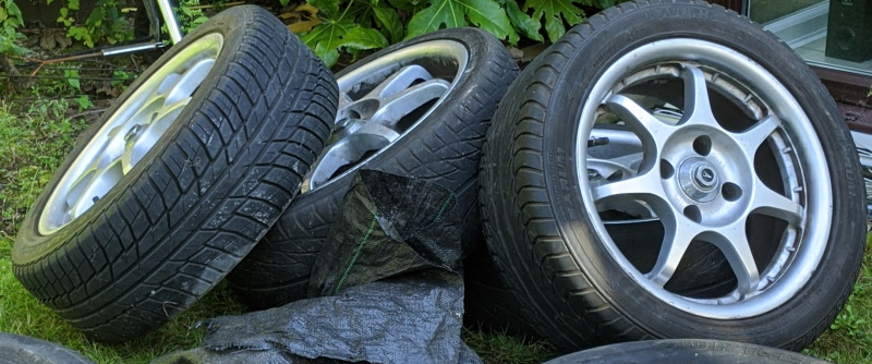 The spare wheel pile