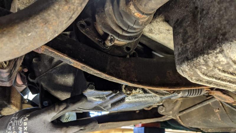 Problem bolt removing the half shafts