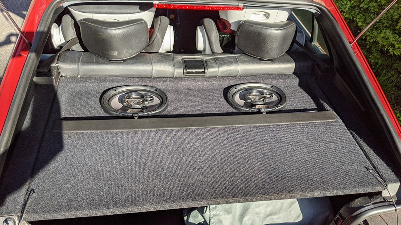 The full '90s speaker system in place