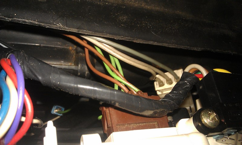 Disconnect brown blower controller connector